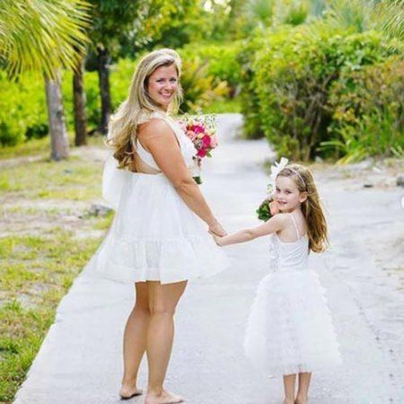 family-photographer-portfolio-mom-and-daughter